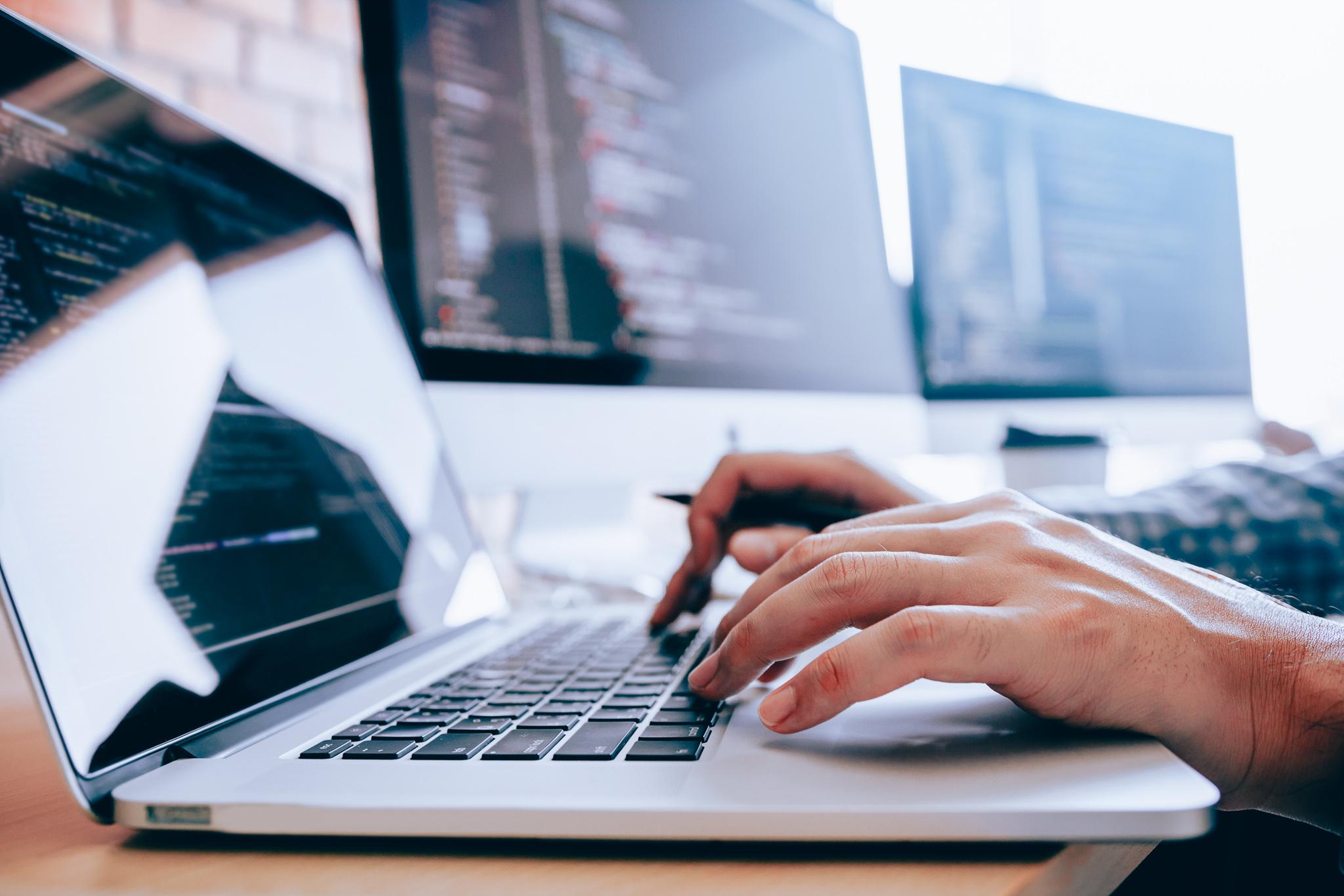 <span>Hoe bescherm</span> ik mijn bedrijf tegen cybercrime?